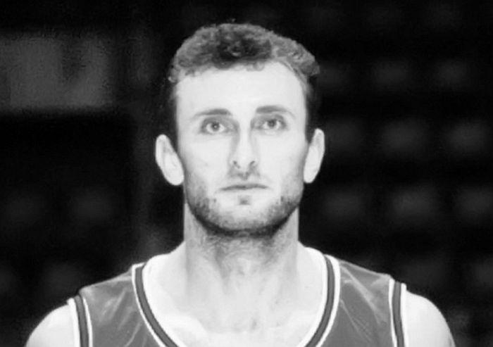 Košarkaš Mileta Lisica preminuo u Novom Sadu