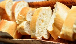Šećer i beli hleb povezani sa insomnijom kod starijih osoba