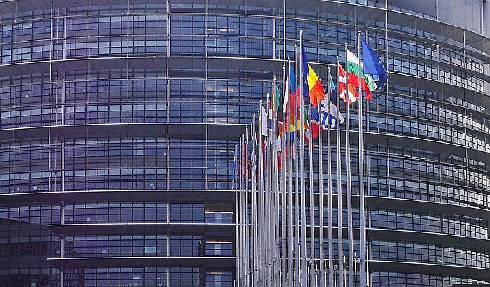 Evropski parlament traži uvođenje univerzalnog punjača