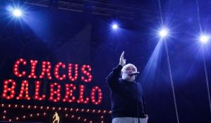 FOTO: Cirkus se vratio u grad - Balašević održao koncert na punom Spensu i najavio nove pesme