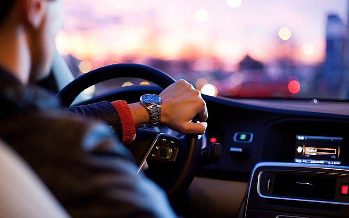 Ovo su omiljene pesme za pevanje tokom vožnje