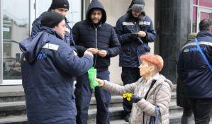 VIDEO, FOTO Poštari u Novom Sadu poručili: Ne radite za one koji su se uhlebili i primaju apanaže bez sramote