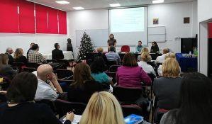 Stručnjaci u Novom Sadu diskutuju: Kada treba vakcinisati prevremeno rođene bebe?