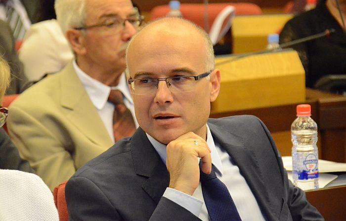 Prijava Miloša Vučevića protiv braće Vučić za