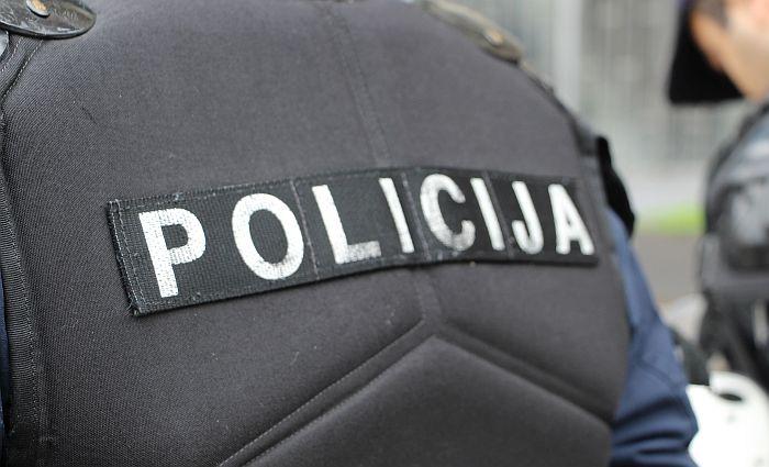 Meštani Petrovaradina se potukli, jedan drugog udarao oklagijom, pa izboden