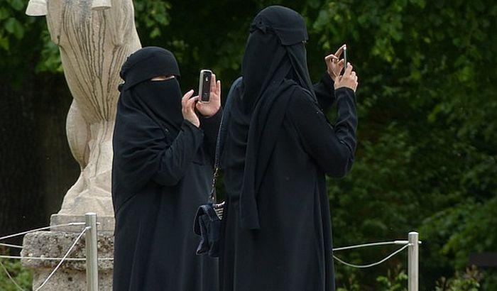 Švajcarci za zabranu nošenja nikaba i burki