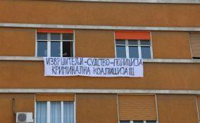 Sa tribine o prinudnom iseljenju poručeno: Zbog interesa poverilaca, građani završavaju na ulici