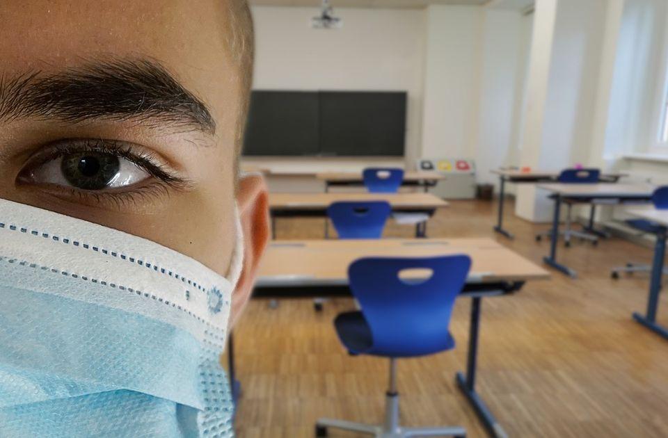 Polemika u SAD: Da li deca moraju da nose maske u učionicama?