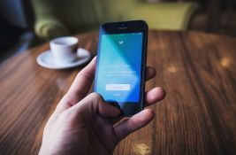 Tviterovo istraživanje: Algoritmi društvene mreže promovišu desničarske stavove