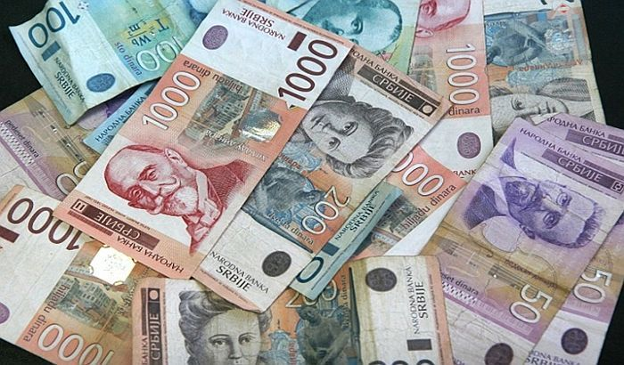 Radnica Kliničkog centra u Kragujevcu proneverila milion dinara