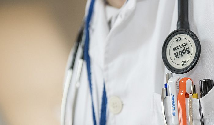 Lekari i medicinske sestre koji su do sada volontirali dobijaju stalan posao