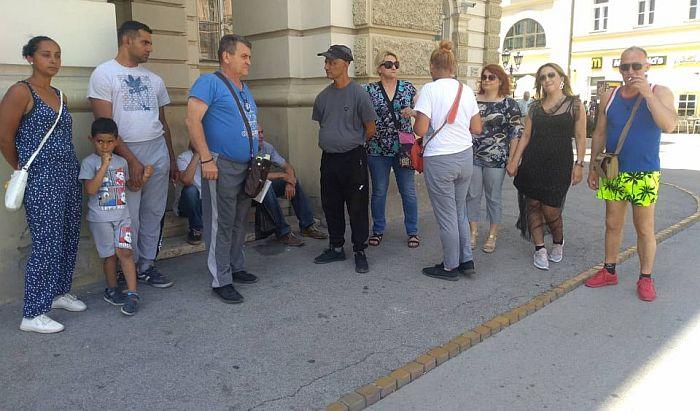Stanarima iz Dositejeve biće isplaćen novac nakon protesta pred Gradskom kućom