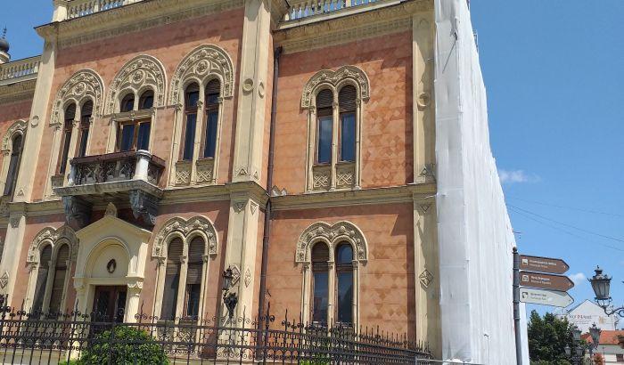 Za obnovu dela fasade Vladičanskog dvora spremljeno više od 30 miliona dinara