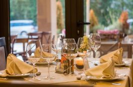 U Parizu više od 100 gostiju restorana kažnjeno, menadžer uhapšen