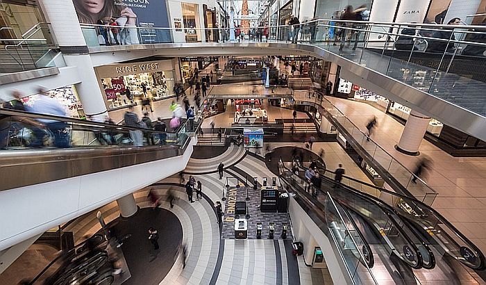 Sutra se otvaraju tržni centri, moraju da imaju korona redare