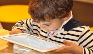 Deci mlađoj od dve godine ne poklanjati digitalne igračke