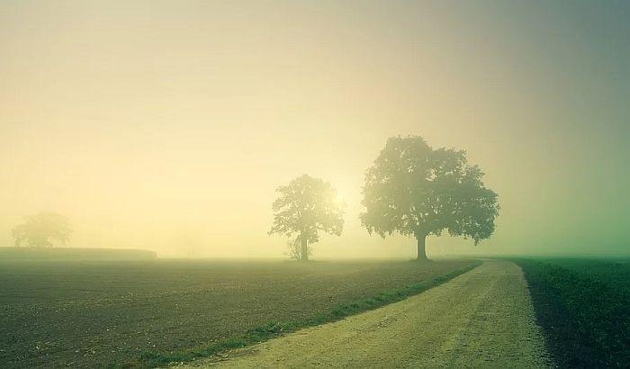 Maglovito jutro, tokom dana pretežno sunčano