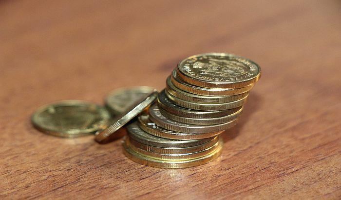 Dinar u ponedeljak jača