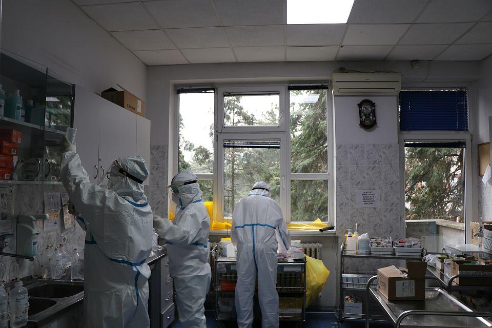 Devet kovid pacijenata u KCV, četvoro u teškom stanju