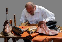 Zanimanja koja odumiru: Niko ne želi da bude obućar i bravar