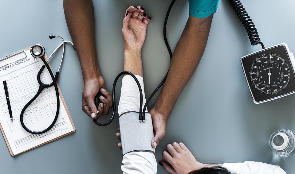 Medicinski radnici protestuju širom Velike Britanije, traže povećanje plata