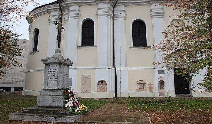 Vučić i patrijarh izdali zajedničko saopštenje o poštovanju mera, Eparhija bačka poručuje da su hramovi otvoreni
