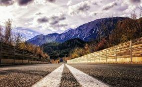 Ko se isključi sa autoputa u Tirolu, mora da ima dobar razlog