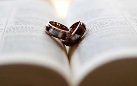 U mesec dana se oženio četiri puta i razveo tri da dobije slobodne dane