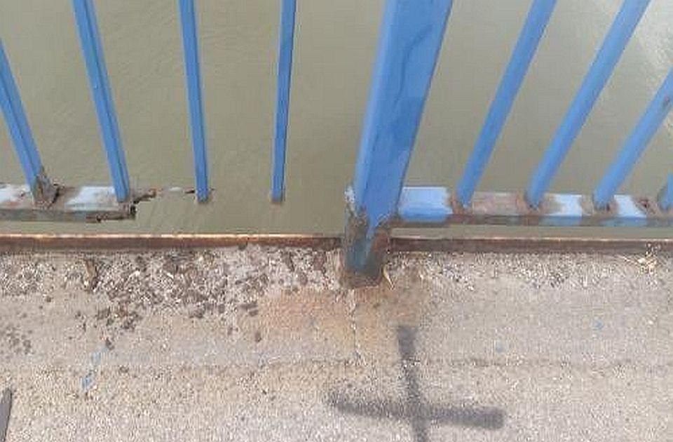 FOTO: Propadanje Varadinskog mosta naočigled Novosađana