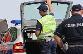 Osumnjičen da je automobilom usmrtio biciklistu, vozilo zaustavio i pešice otišao sa mesta nesreće