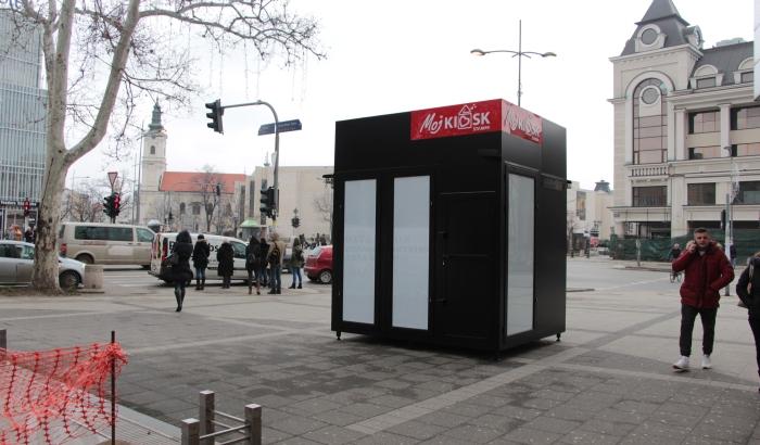 FOTO: Kiosci niču po Novom Sadu na najčudnijim lokacijama