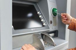 Godišnji troškovi bankarskih usluga do 8.000 dinara: Ne zarađujemo dovoljno da bi to bilo malo