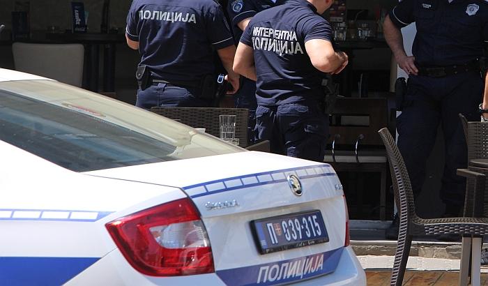 Zoljom razneo vrata firme za tehnički pregled u Beogradu