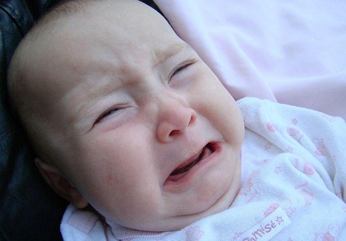 Zašto bebe plaču u avionu