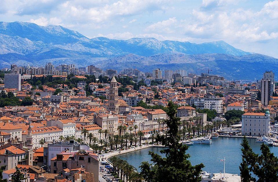 Novosađanin pitao gde da ostavi auto u Splitu, ljudi mu ponudili da parkira u njihovom dvorištu