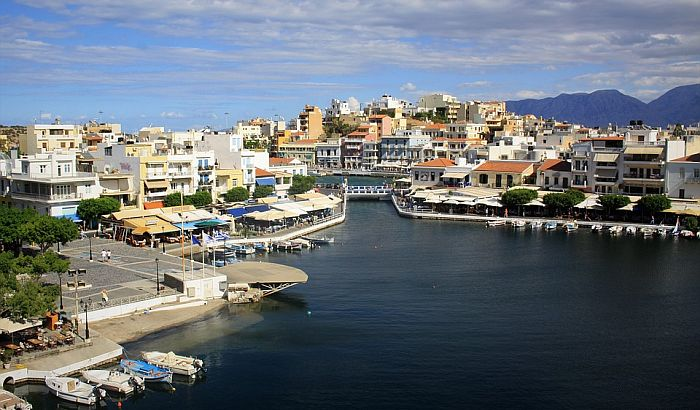 Od ponedeljka možemo u Grčku, ali samo u mesto u kojem je rezervisan smeštaj