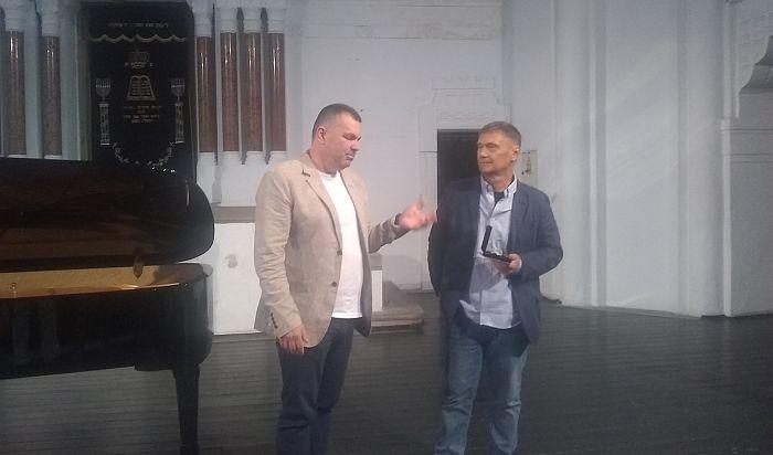Novi Sad nakon 15 godina dobio novi koncertni klavir
