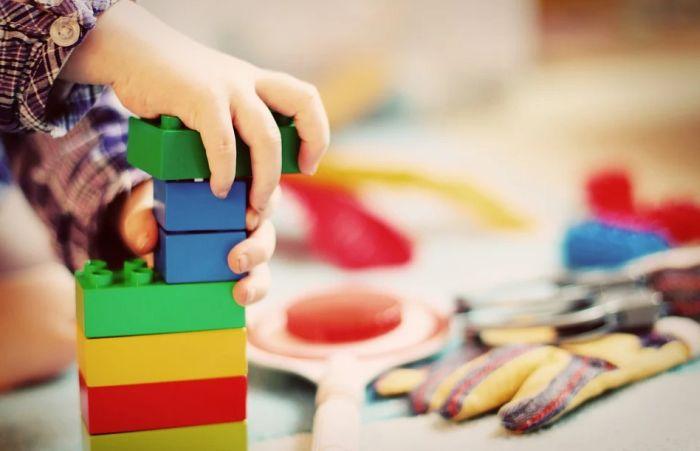 Danska otvorila škole i vrtiće, roditelji neće da puste decu na nastavu