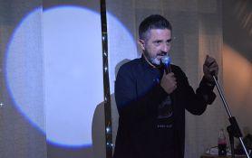 Rasprodat Stand up Darka Mitrovića u Radio kafeu, novi nastup 13. decembra