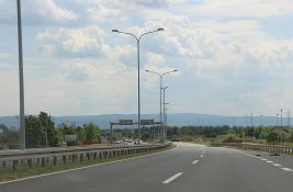 Putnici iz Srbije od ponoći dobijaju kartice za plaćanje putarine u Makedoniji