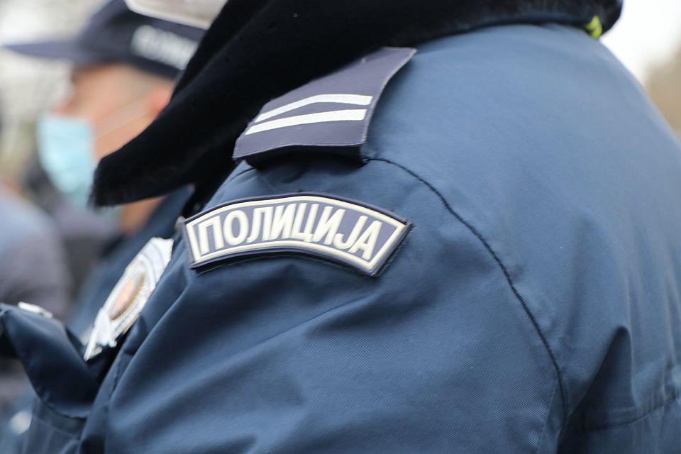 Tuča u Beogradu, policajac ranjen nožem prilikom intervencije