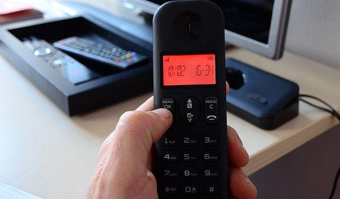 Problemi taksista iz Bačke Palanke zbog broja telefona: Građani ih zovu za pomoć od 100 evra