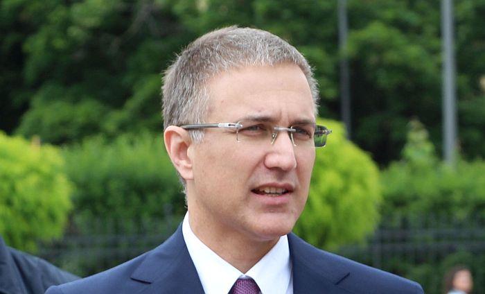 Ministar Stefanović kaže da je tužilac sutradan obavešten o prebijanju u Novom Sadu, istraga pokrenuta tek 12. septembra