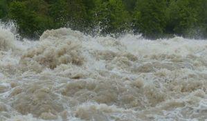 Više od 120 ljudi poginulo ili nestalo u poplavama u Kini