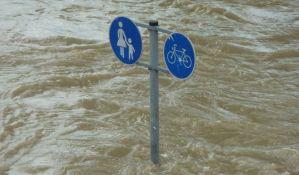 Poplave u Japanu odnele najmanje 16 života, potraga za nestalima