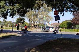 FOTO: Motociklista teško povređen u udesu na Keju žrtava racije