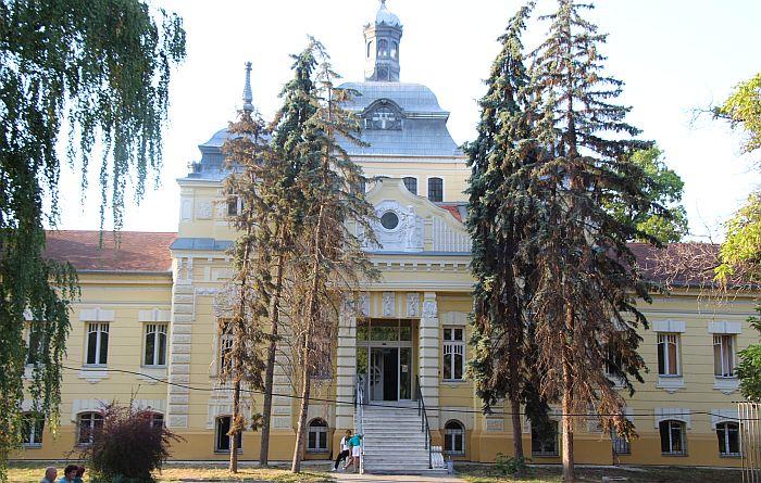 Klinički centar Vojvodine, Dečija bolnica i Jodna banja u sredu bez tople vode