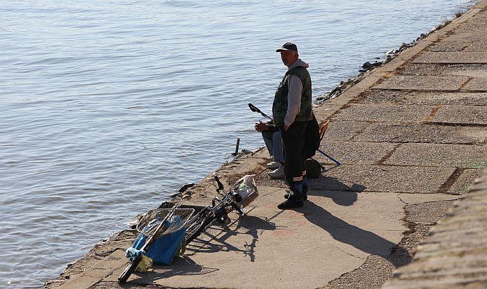 Dozvola za pecanje sledeće godine 7.000 dinara