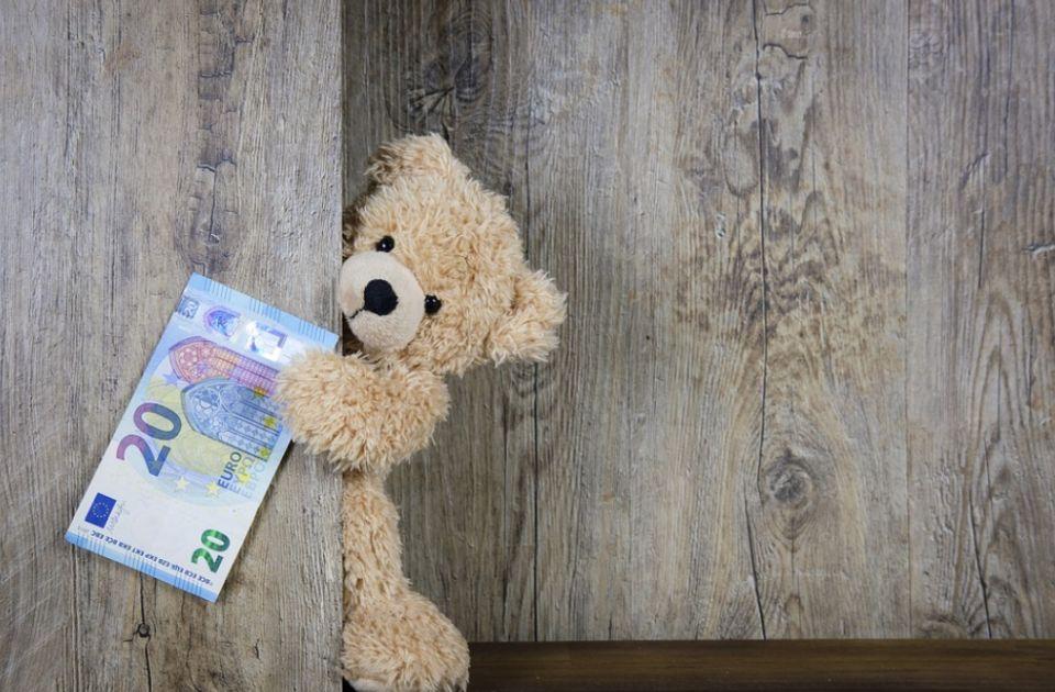 Vlada usvojila: Svim punoletnim građanima 20 evra u decembru, evo ko mora da se prijavi
