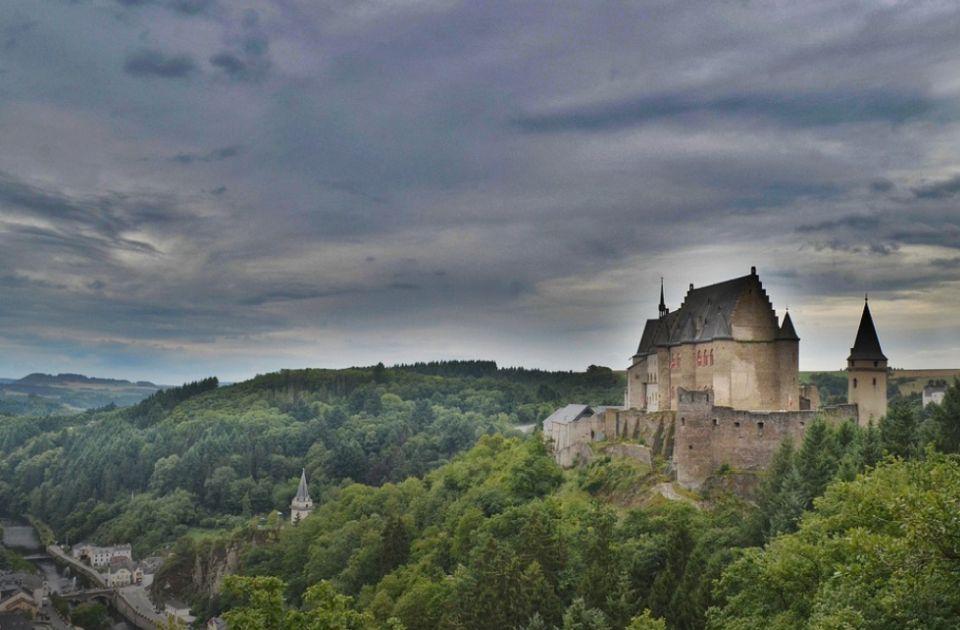 VIDEO: Na prodaju švajcarski dvorac star 800 godina